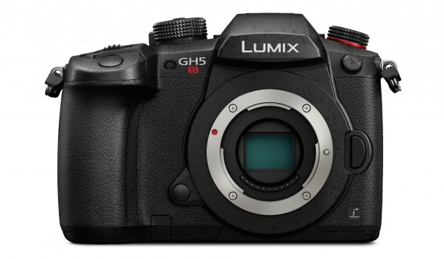 PANASONIC - DC-GH5S - Lumix GH5S 10.2MP Digital Mirrorless Compact System Camera Body Only